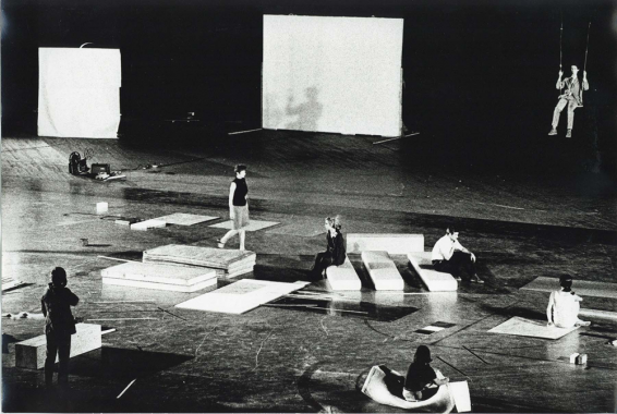 Yvonne Rainer, Carriage Discreteness, 9 Evenings: Theatre & Engineering October 1966, Photo by Adelaide de Menil